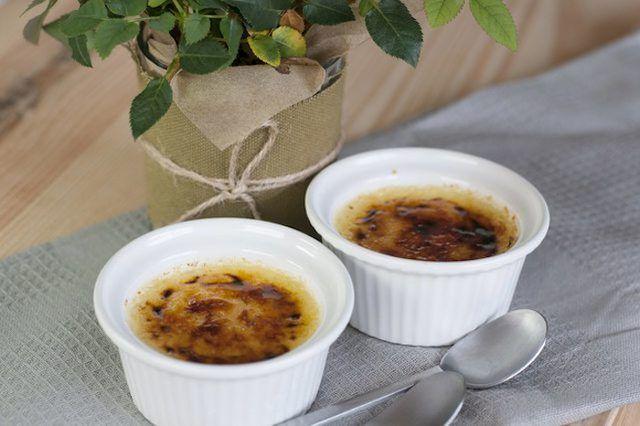 Creme brulee é também chamado de creme queimado, crema catalana ou creme Trindade.