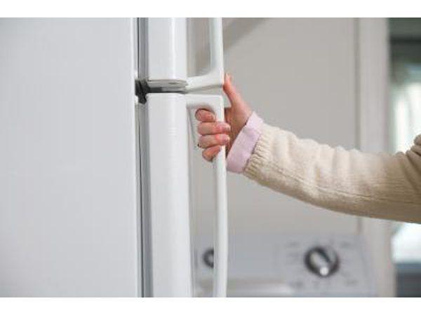 Durante falta de energia não abrir a porta, a fim de manter a temperatura.