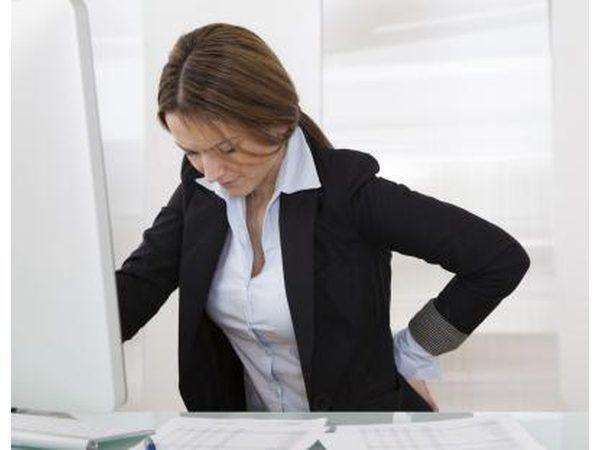 doença degenerativa do disco é uma outra condição que pode ocorrer.