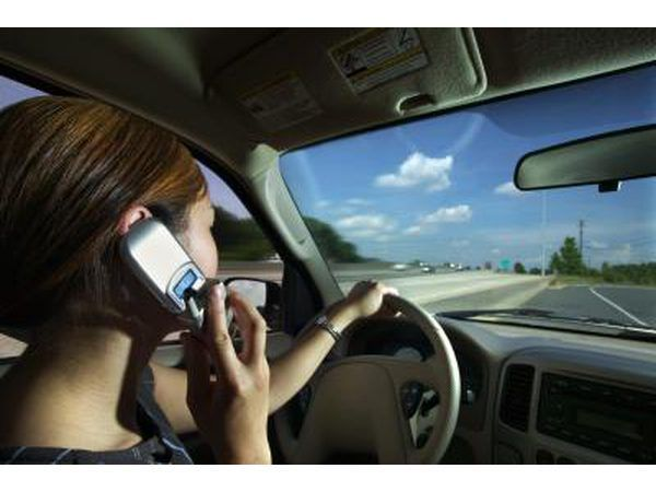 motoristas distraídos causar acidentes.