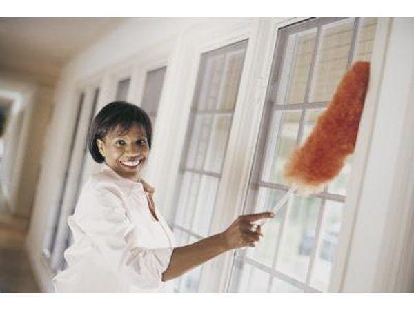 Cabelo, sujeira e poeira podem interferir com o funcionamento do detector de fumaça e até mesmo gerar falsos alarmes.