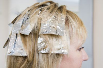 Adicionando destaques de cabelo.
