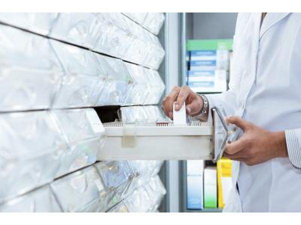 Assessores de farmácia fazem menos dinheiro do que técnicos.
