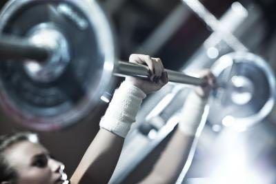 Exercícios fáceis para fazer seus seios maiores