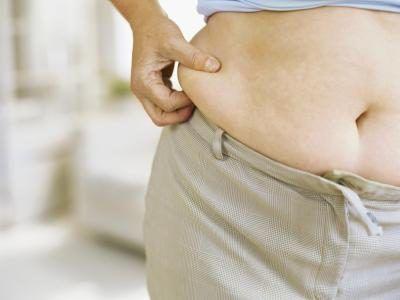 Quer uma barriga menor? Comece com exercícios específicos para ajudar a apertar seu estômago.