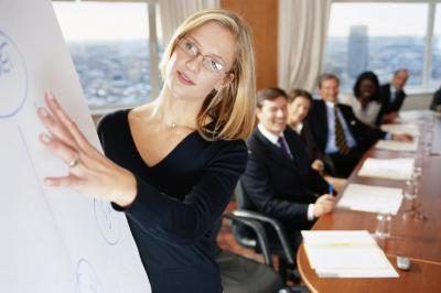 gerentes de captação de recursos arrecadar dinheiro para as organizações.