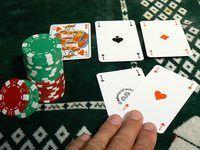 noites de poker estão se tornando cada vez mais popular como fundraisers.