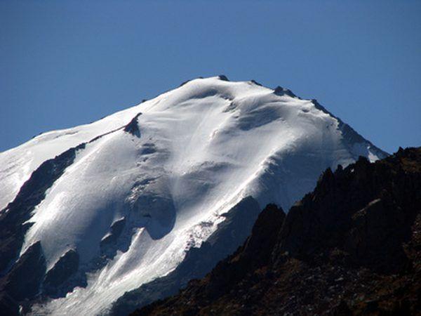 Quando geleiras recuar, eles deixam rochas trás.