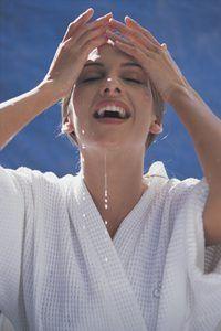 Aprecie usar caseiras de beleza essenciais para, um tratamento relaxante acessível