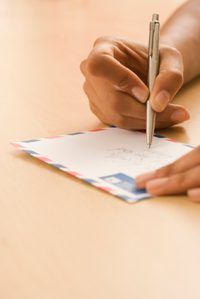 Para garantir a sua carta é enviada para a pessoa certa, use um
