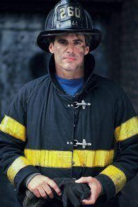 Educação continuada é necessária para se tornar um tenente fogo.
