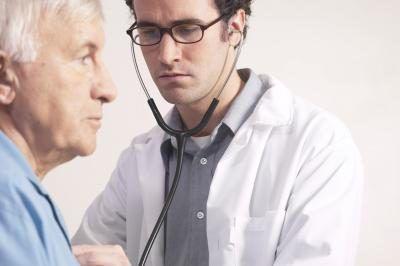 Doutor com paciente