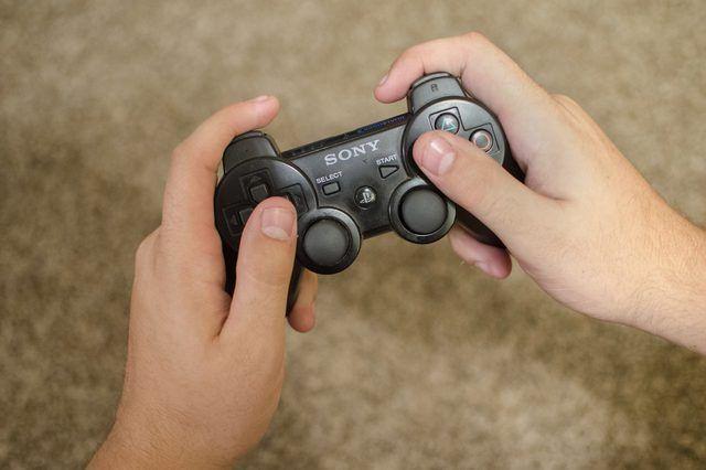 Como conectar um PS3 Wireless Controller