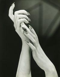 crescimento das unhas é afetado por uma série de fatores, incluindo gênero, época e idade.