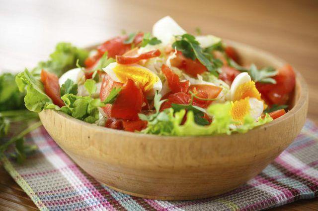 Bowl of acabado de fazer salada.