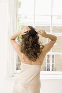 Evite dor no couro cabeludo, eliminando nós cabelo corretamente.