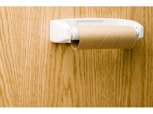 Comum domésticos papel higiênico de rolo.