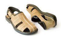Faça Sandals com um pneu velho