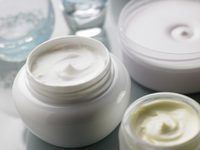 Fazendo um esfoliante da pele em casa vai lhe poupar algum dinheiro.