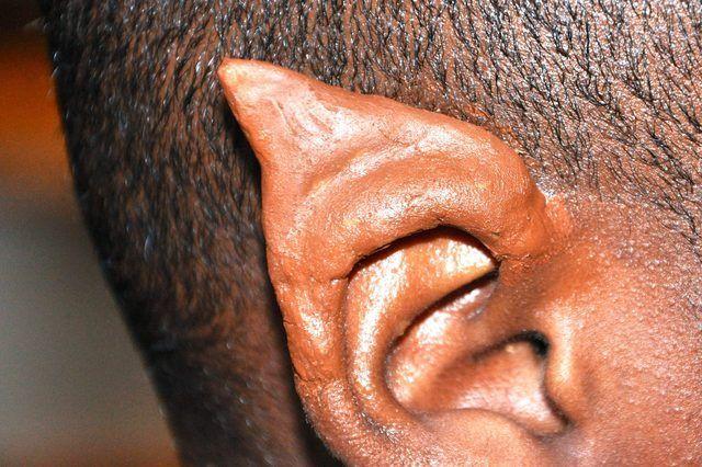 Como fazer seus próprios ouvidos Latex Elf