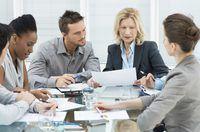 reuniões de status e boa comunicação são vitais para medir o progresso.