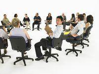 Aderindo a etiqueta apropriada permitirá reuniões para correr mais suavemente.