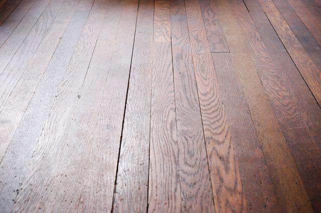 Como remover as manchas de Hardwood Floors