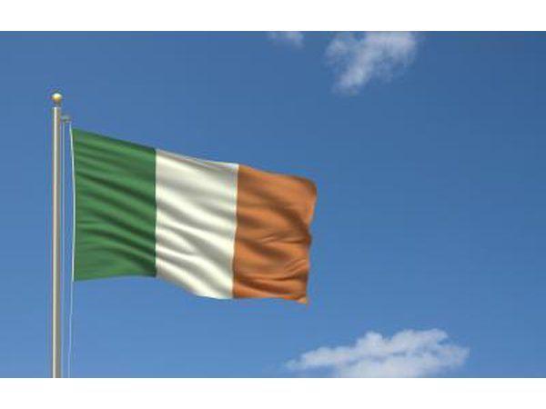 Até o século 10, a Irlanda foi enamorado com a harpa.