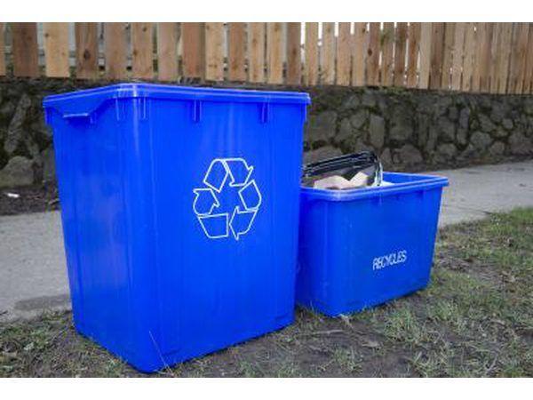Papelão pode ser reciclado.