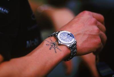 Escolha entre as melhores marcas de relógios para homens.