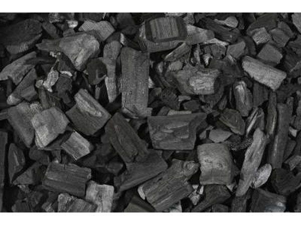 O carvão ativado é um adsorvente.