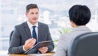 Staffing é o processo de construção de uma empresa`s human assets.