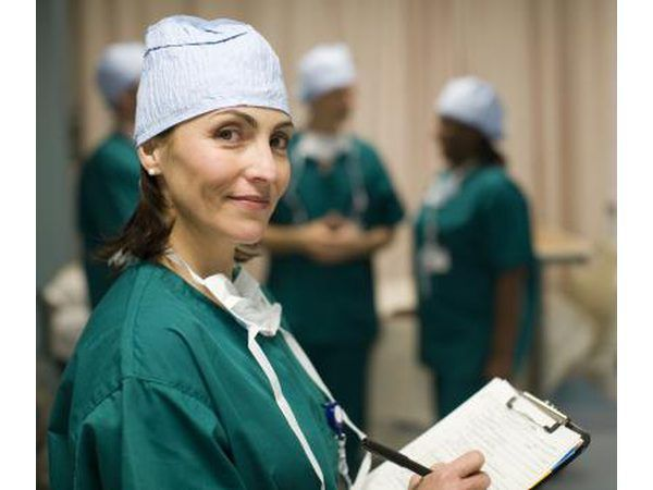médicos vasculares normalmente trabalham em hospitais de ensino.