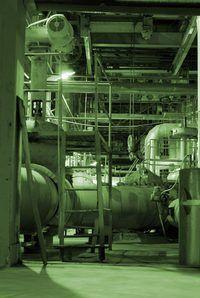 SCADA e DCS são controladores de sistema industrial.